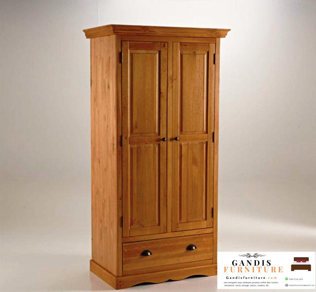 Lemari pakaian kayu
