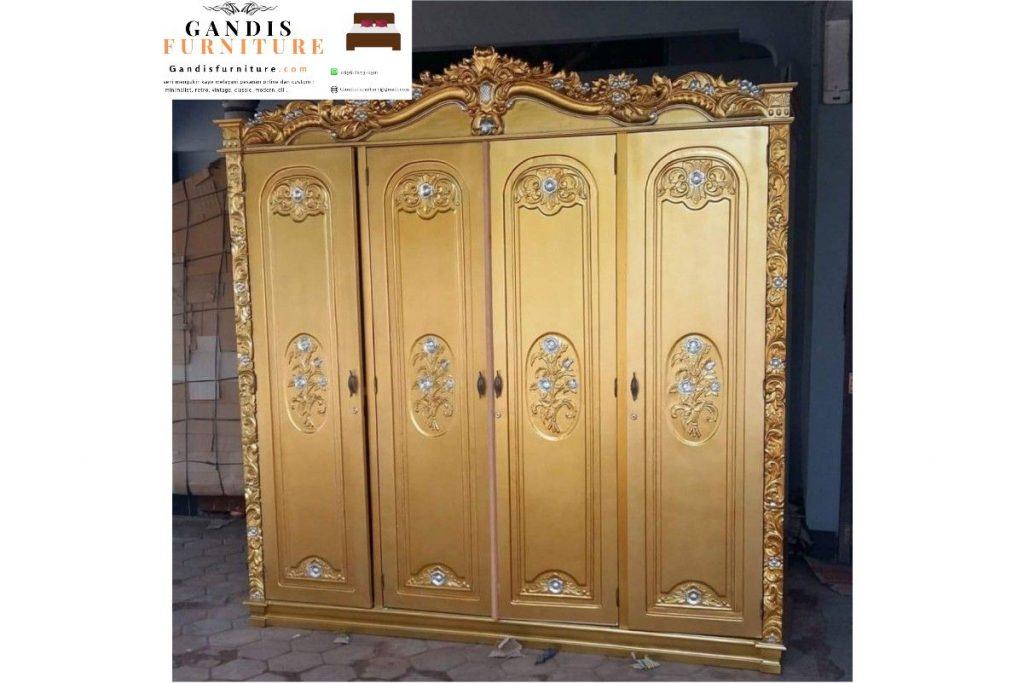 Lemari pakaian 4 pintu mewah duco emas