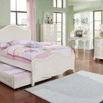 Set kamar tidur anak perempuan minimalis