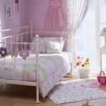Set kamar tidur perempuan