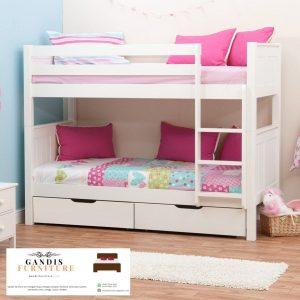 Tempat tidur tingkat perempuan