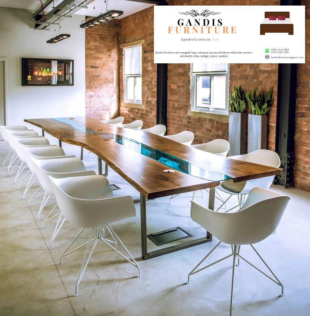 meja ini memiliki berbagai macam bentuk berbagai macam model. bisa menyesuaikan selera anda . ukuran meja ini bermacam macam namun pada umumnya jika digunakan sebagai meja makan ukuran biasanya 150 cm untuk 4-6 kursi saling berhadapan .