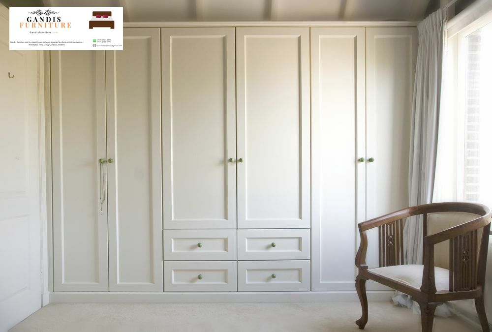 lemari pakaian 6 pintu