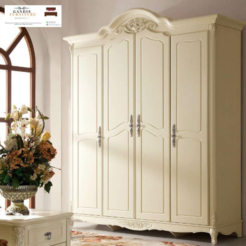 lemari pakaian putih 4 pintu