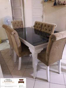 meja makan minimalis murah