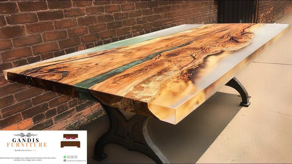 meja resin kayu trembesi unik