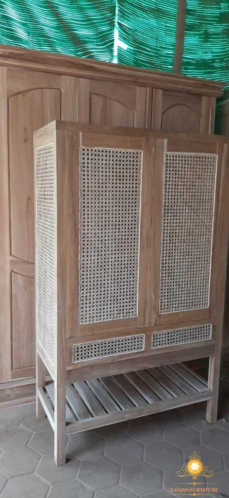 lemari pakaian jati  2 pintu kombinasi rotan