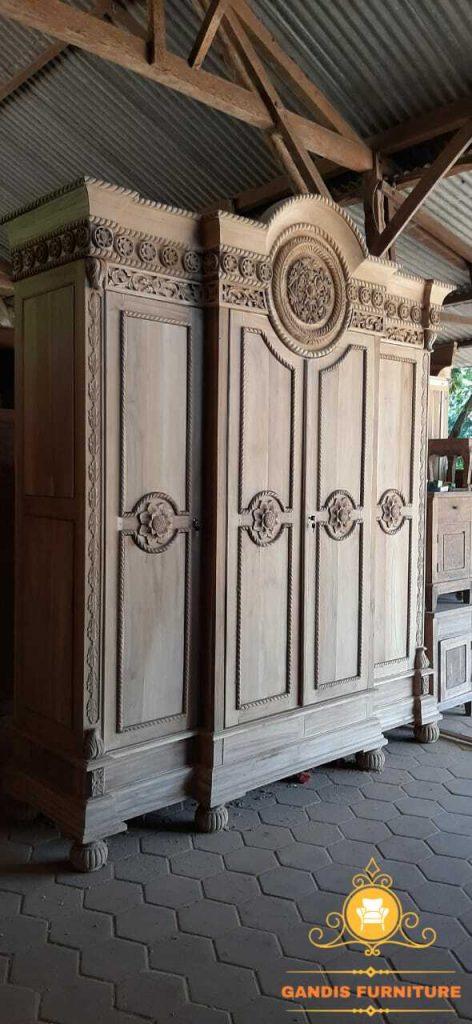lemari pakaian 4 pintu kayu jati