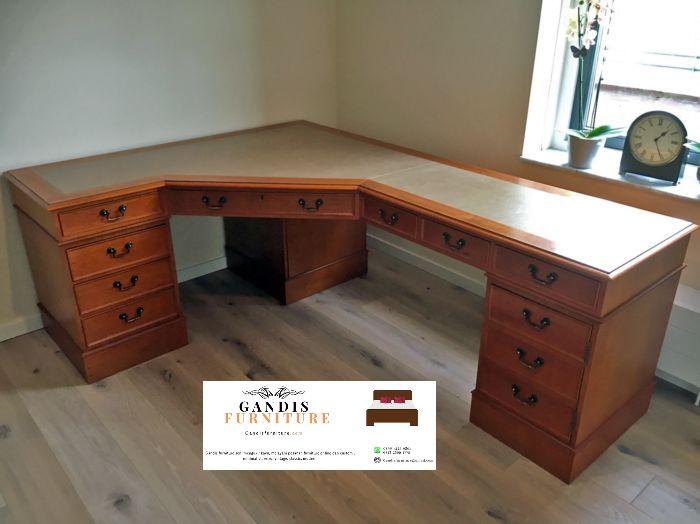 meja kerja sudut minimalis