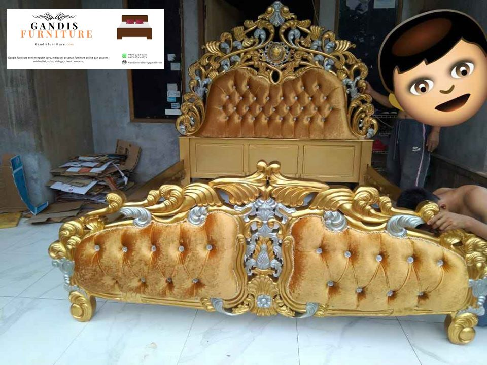 tempat tidur emas ukiran jepara