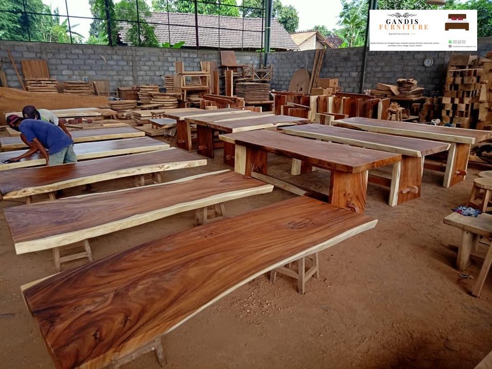 meja kayu suar