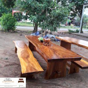 meja makan trembesi minimalis modern