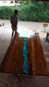 meja trembesi resin asli jepara