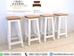 kursi cafe sederhana