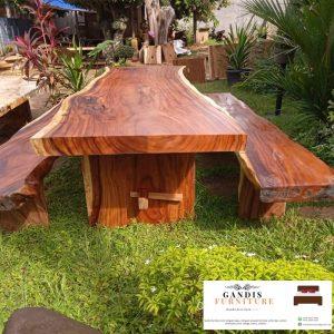 Meja kayu trembesi jepara