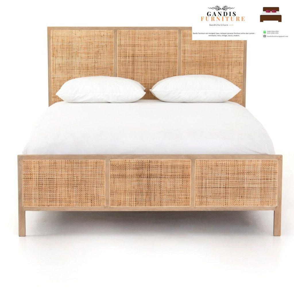 tempat tidur rotan minimalis