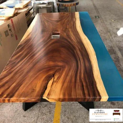 meja resin unik kayu trembesi