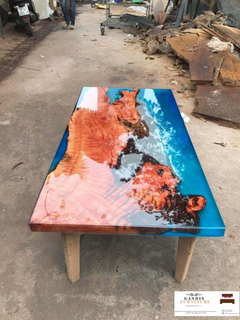 meja resin kayu unik