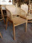 kursi kayu cafe minimalis kombinasi rotan