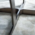 Meja makan marmer bulat kaki besi