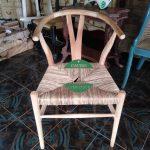 Kursi cafe model wishbone kayu jati kombinasi jalin pandan