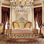 Tempat tidur mewah kayu jati jepara warna emas