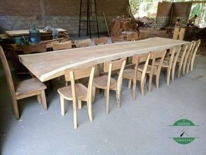 Meja makan trembesi panjang 14 kursi minimalis