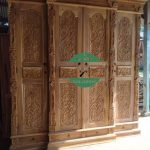 Lemari pakaian kayu 3 pintu ukiran jepara