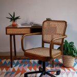 Kursi Kantor kayu kombinasi rotan alami