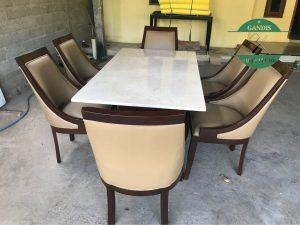 Meja Makan Marmer Minimalis Kaki Kayu Lengkung