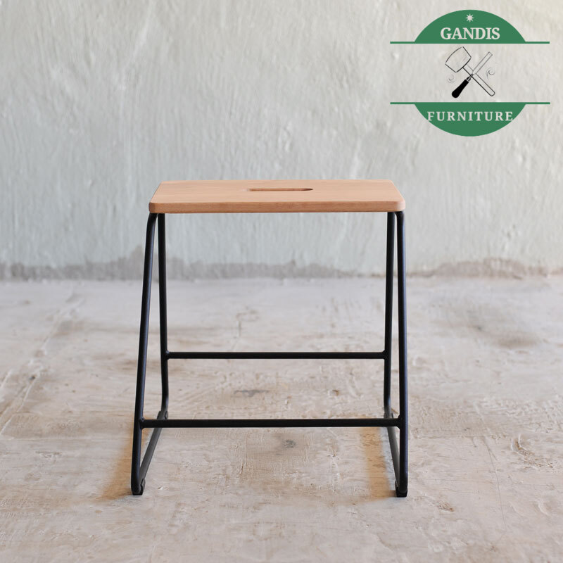 Kursi Besi Industrial Model Cafe terbaru